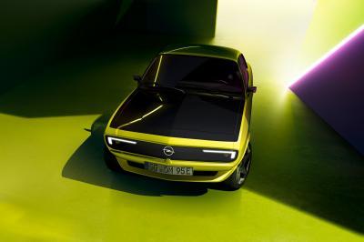 Opel Manta GSe ElektroMod | Les photos de sa calandre Pixel-Vizor