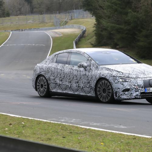 Mercedes EQE (2022) | Les photos espion de la berline électrique