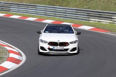 BMW M8 CSL | Les spy shots du prototype ultra-sportif