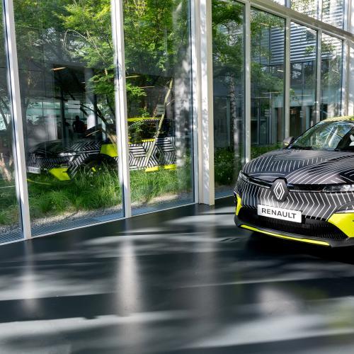 Renault Mégane E-Tech Electric (2022)   Les photos du prototype