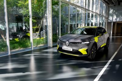 Renault Mégane E-Tech Electric (2022) | Les photos du prototype