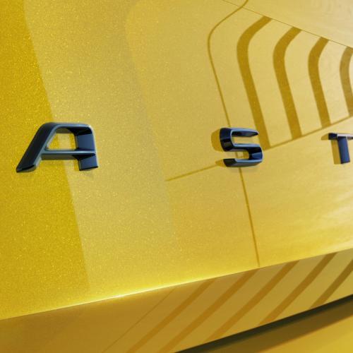 Opel Astra (2021)   Les premières photos de la compacte
