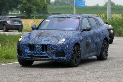 Maserati Grecale (2022) | Les photos du prototype camouflé