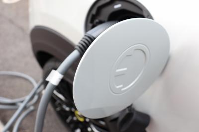 L'électrique au quotidien | Mazda MX-30 vs Mini Cooper SE restylée