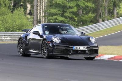 Porsche 911 Turbo E-Hybrid (2024) | Les spyshots de la sportive électrifiée