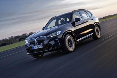 BMW iX3 (2021)   Les photos du SUV électrique restylé