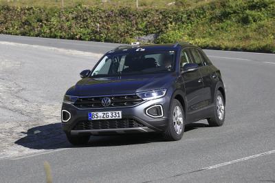 Volkswagen T-Roc (2022) | Les spyshots du petit SUV allemand