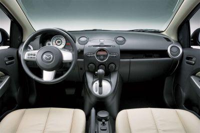 Mazda 2 Tricorps