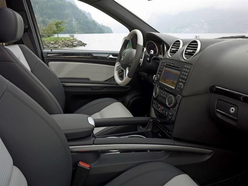 Mercedes ML63 AMG 10ème Anniversaire et Performance Studio