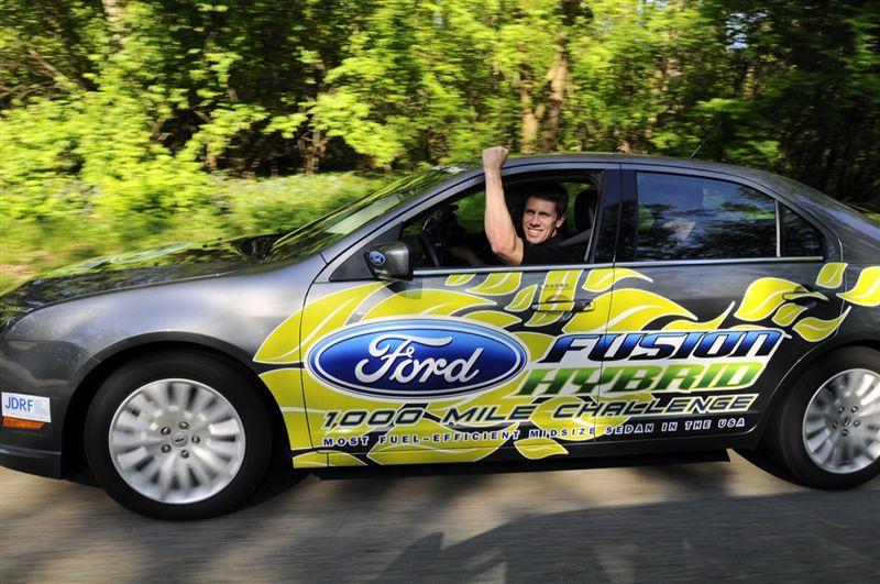 Ford Fusion Hybride : 2 325 km avec un plein