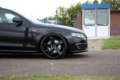 Audi A4 Avant Black Arrow Avus Performance