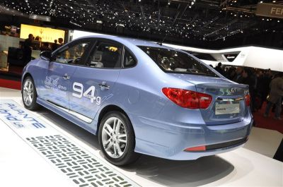Hyundai Avante Hybrid LPi