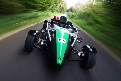 Le 0 à 100 km/h en moins de 4 secondes