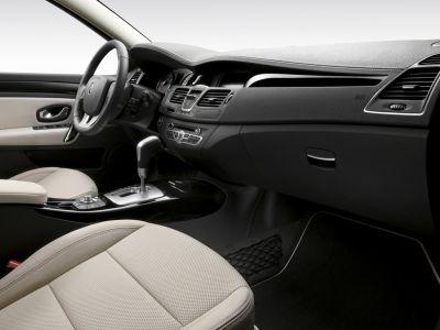 Renault Laguna III restylée