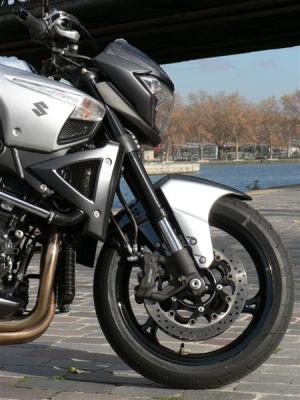 Essai Suzuki B-King : un monstre est né !