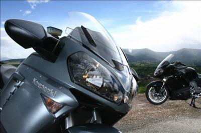 Kawasaki GTR 1400 : la Yamaha FJR a du souci à se faire