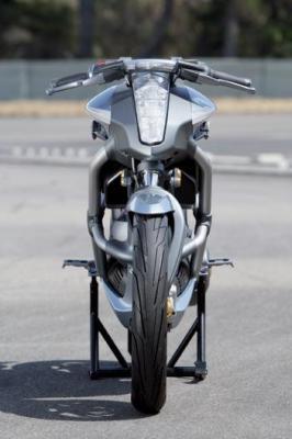 Suzuki Crosscage : prototype roulant