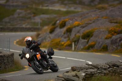 KTM 990 SM-T : l'invitation au voyage