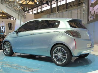 Mitusbishi Global Small et PX miev