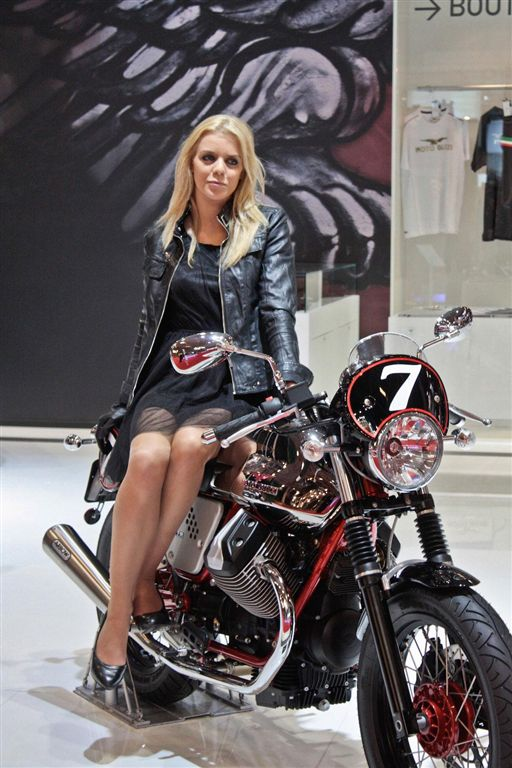 albums photos hotesses salon moto 2011