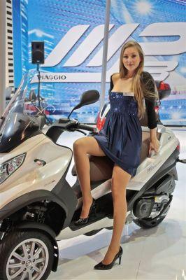 Albums photos hotesses salon moto 2011 for Salon de milan moto 2018
