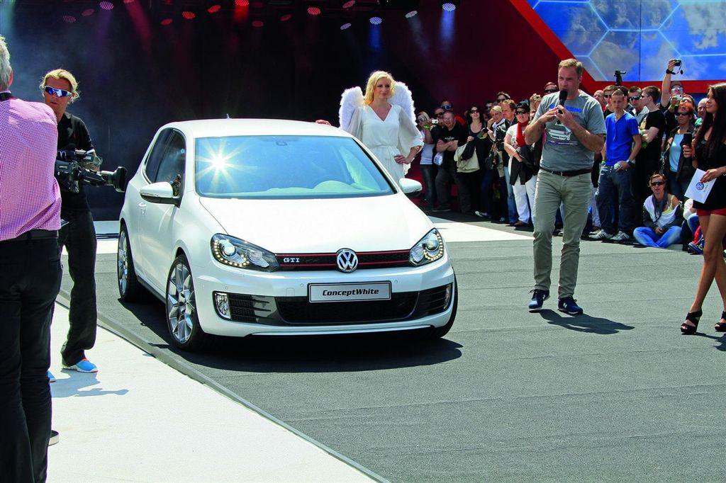 Volkswagen Golf GTI Black Dynamic et Concept White