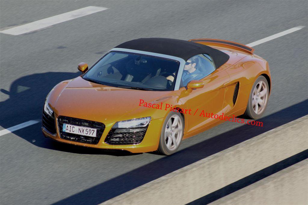 scoop Audi R8 2012