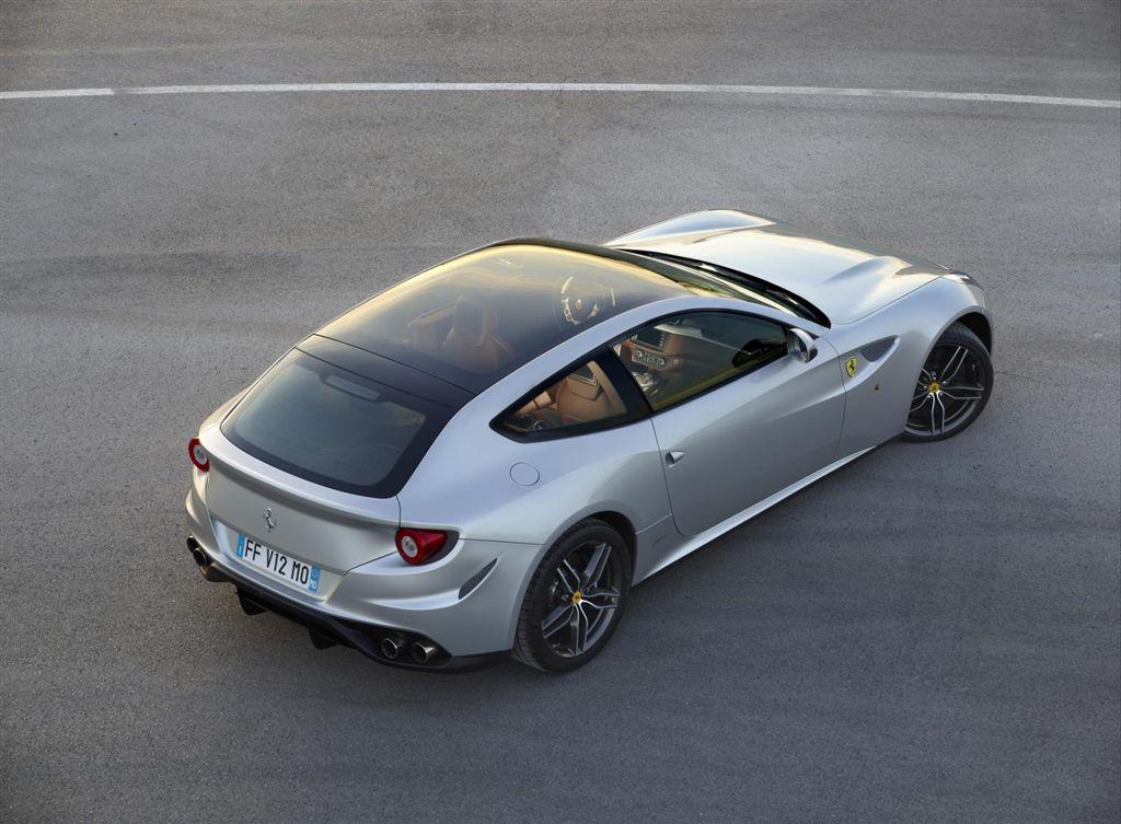 Ferrari FF toit vitré