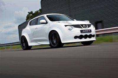 Nissan Juke-R 001
