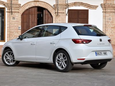 albums photos seat leon 3 1 6 tdi 105 dsg style. Black Bedroom Furniture Sets. Home Design Ideas