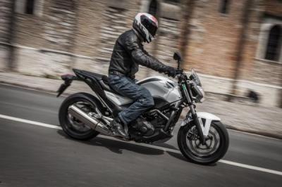 Honda NC 700S : Prêt pour le changement ?