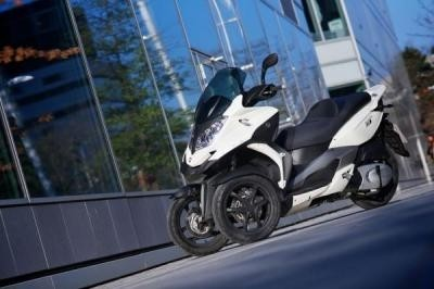 Quadro, l'alternative au Piaggio MP3, fait la différence !