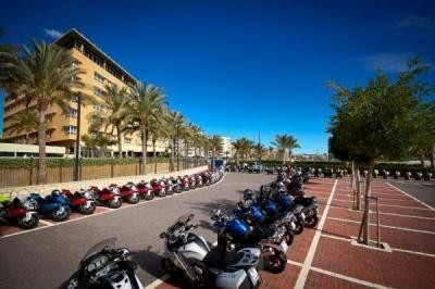 BMW vous invite à essayer toutes ses motos dans le sud de l'Espagne... Voici le BMW Motorrad Test Camp.