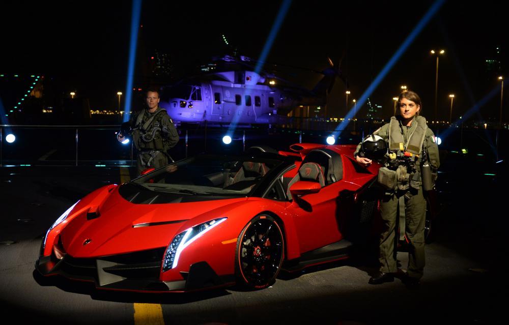 La soirée de lancement de la Lamborghini Veneno Roadster