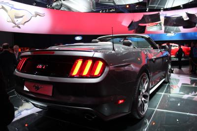 Ford Mustang cabriolet 2014