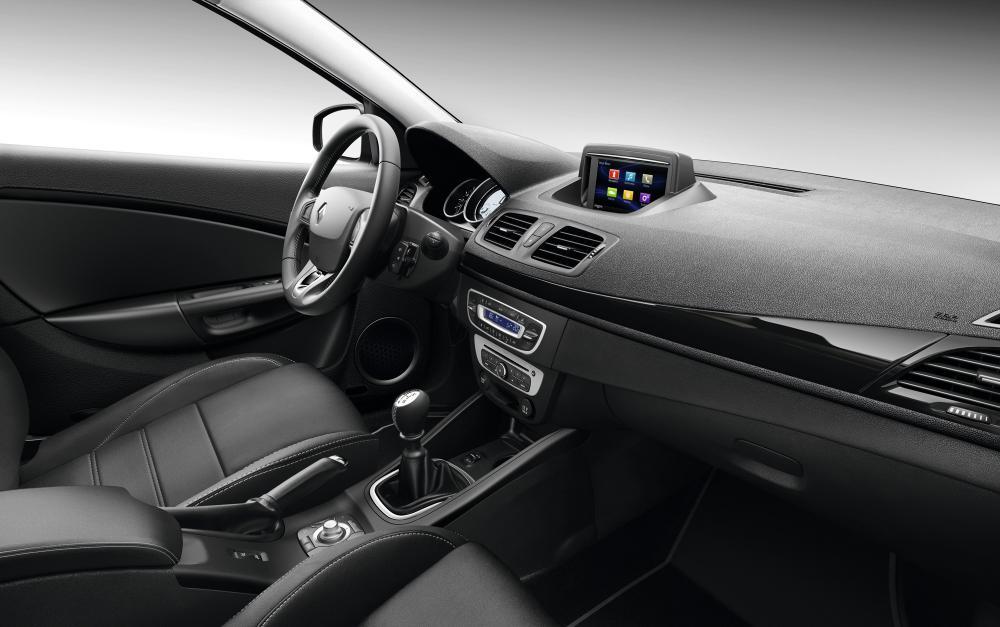 2021 - [Renault] Megane V - Page 2 Zoom-renault-megane-3-cc-restylee