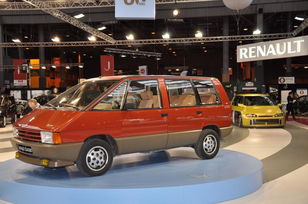 Triple anniversaire chez Renault à Rétromobile