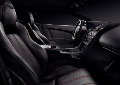 Aston Martin DB9 Carbon Black et Carbon White
