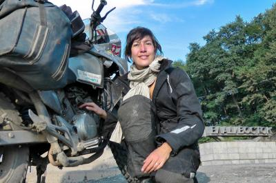 Mélusine Mallender, héroïne des voyages à moto