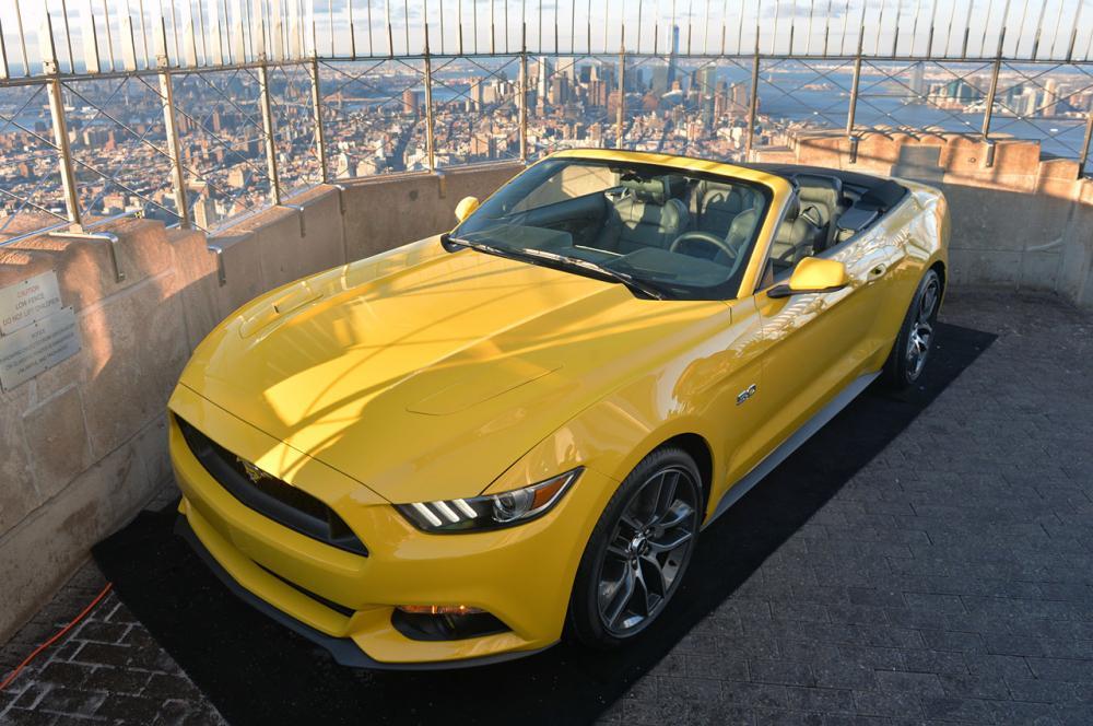 La Ford Mustang en haut de l'Empire State Building