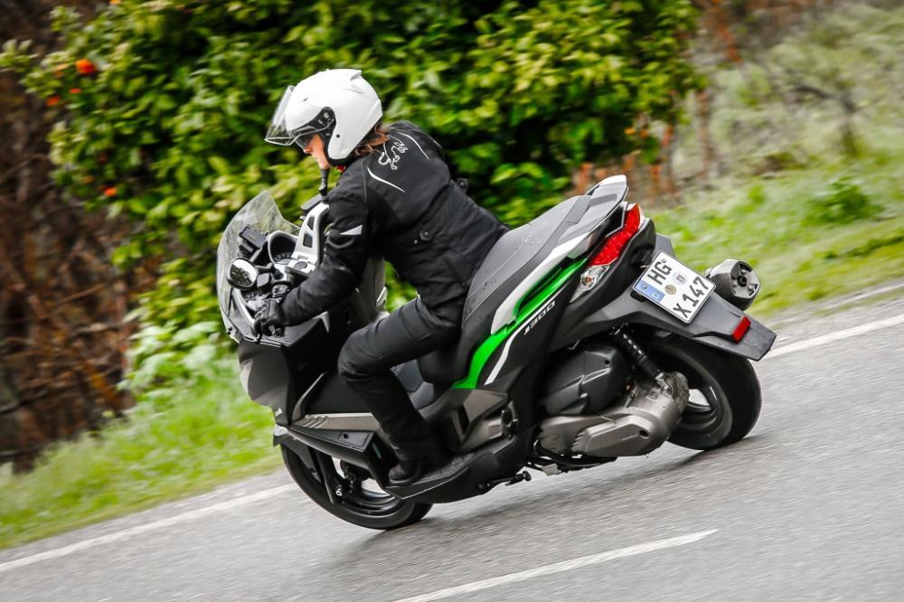 Essai Kawasaki J300 ABS
