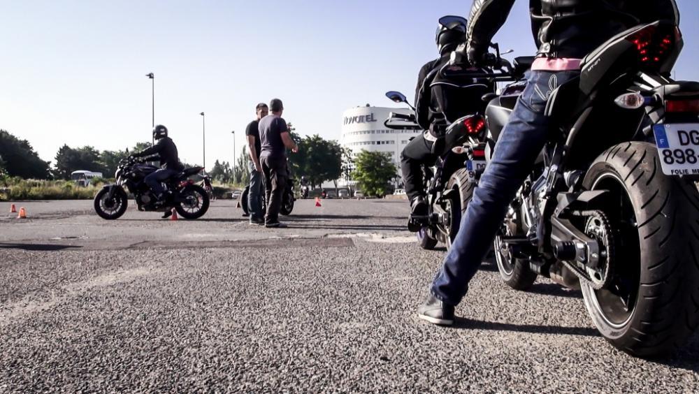 Ça bouge au CER-Bobillot : permis moto à 900 € !