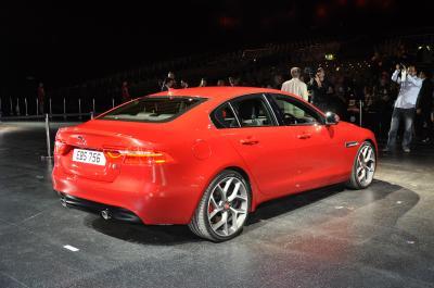 Jaguar XE (Officiel - 2014)