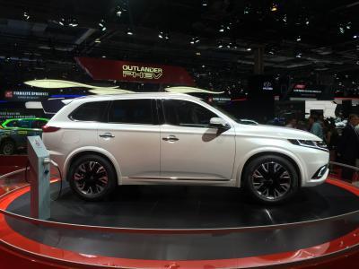 Mitsubishi Outlander PHEV Concept-S