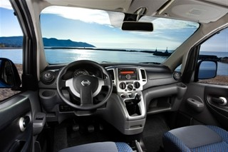 Nissan Evalia Summer Edition