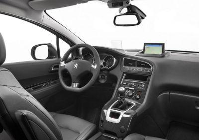 Peugeot 5008 restylé (2013)