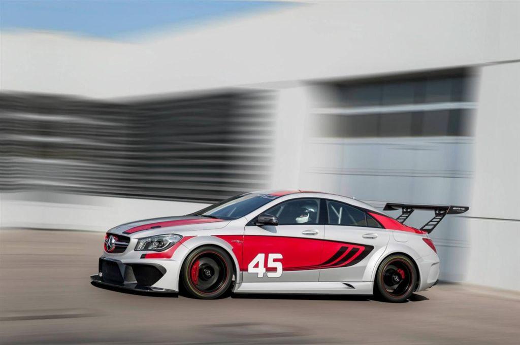 Mercedes CLA 45 AMG Racing Series