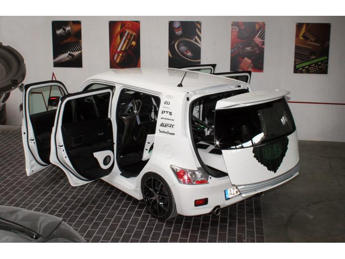 Daihatsu Materia Rockford Fosgate
