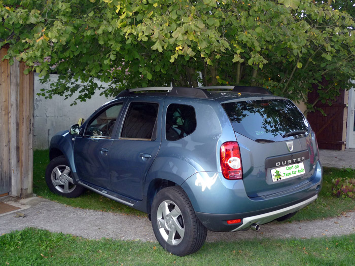 Intégration d'un caisson de grave sur un Dacia Duster