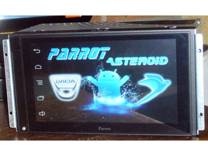 Installation Parrot Asteroid Smart sur Dacia Duster